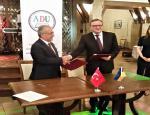 """Rektör Çomaklı """"Haydar Aliyev: Çok Kültürlülük ve Hoşgörü"""" İdeolojisi Konulu Konferansa Katıldı"""